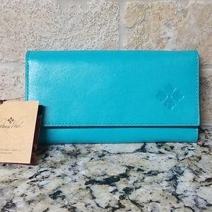 FLASH SALE!  🔥NWT Patricia Nash Aqua Terresa Wallet